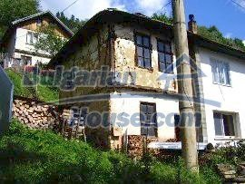 581:1 - Rural house for sale in Bulgaria near Troyan, Lovech