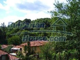 581:9 - Rural house for sale in Bulgaria near Troyan, Lovech