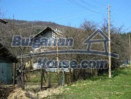 686:2 - Bulgarian rural house near Veliko Tarnovo