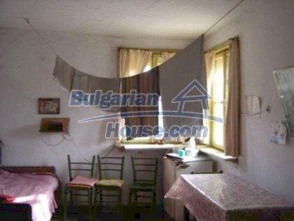 1118:9 - A cheap house near Pleven Bulgaria