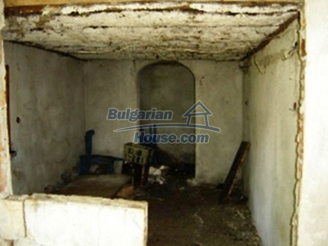 1148:9 - One storey bulgarian house near Stara Zagora