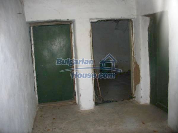 1343:5 - Solid bulgarian house for sale in Sakar Mountain