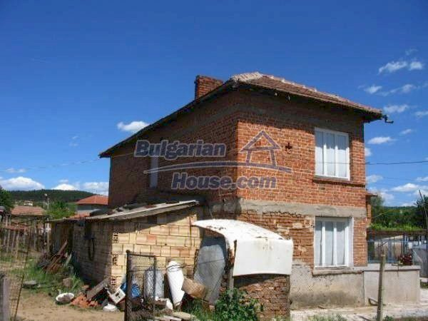 1418:4 - Wonderful village bulgarian house in Srem