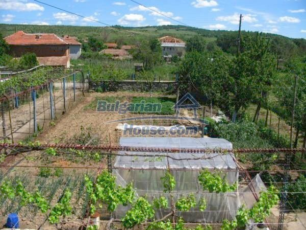 1418:11 - Wonderful village bulgarian house in Srem