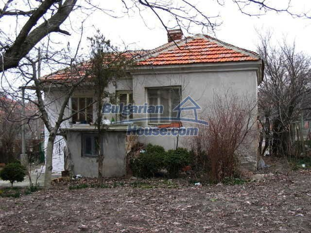 1472:2 - Rural bulgarian house with large garden for sale in Elhovo regio