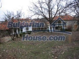 1472:6 - Rural bulgarian house with large garden for sale in Elhovo regio