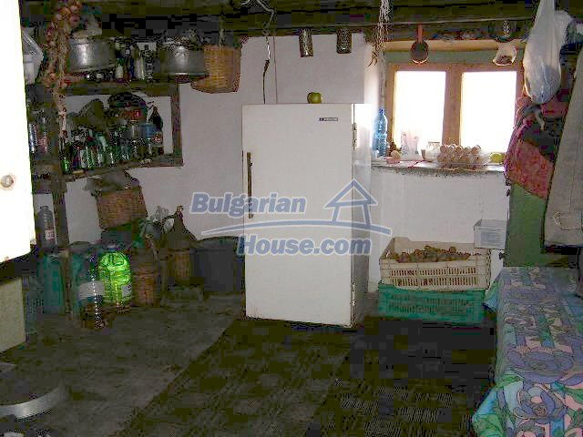 1496:7 - Bulgarian rural house in Elhovo region