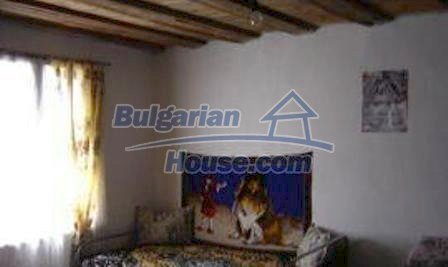 1616:3 - Bulgarian rural house near Kazanlak, for sale