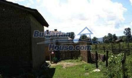 1616:5 - Bulgarian rural house near Kazanlak, for sale