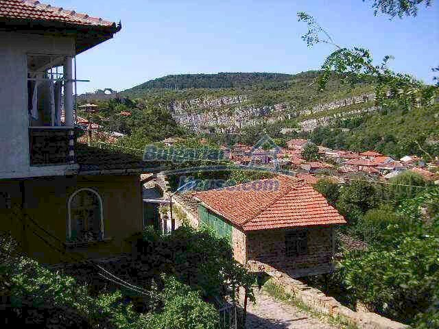 1904:11 - Old-style  Bulgarian property in Lovech for sale
