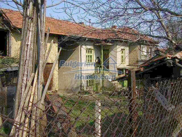 1985:4 - Cozy house for sale near Lovech, Bulgaria