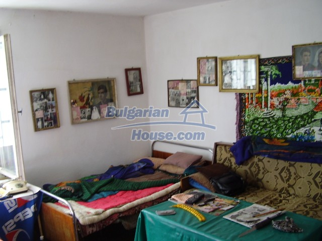 2033:5 - Bulgarian rural house near Pleven for sale