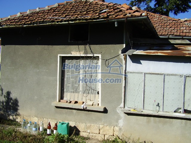 2033:1 - Bulgarian rural house near Pleven for sale
