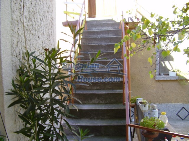 2036:11 - Charming bulgarian houses in very good condition for sale, Pleve