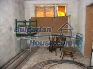 2162:3 - Solid bulgarian house for sale in Elhovo region