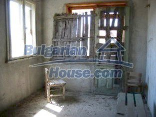 2162:4 - Solid bulgarian house for sale in Elhovo region