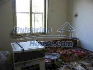 2162:6 - Solid bulgarian house for sale in Elhovo region