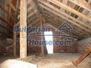 2162:8 - Solid bulgarian house for sale in Elhovo region