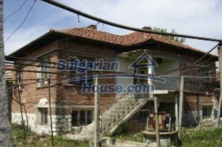 2312:3 - Bulgarian brick house for sale