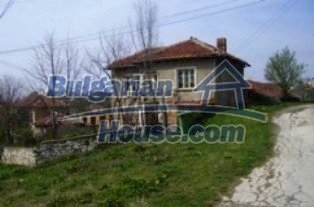 2339:1 - An attractive rural bulgarian property near Pleven