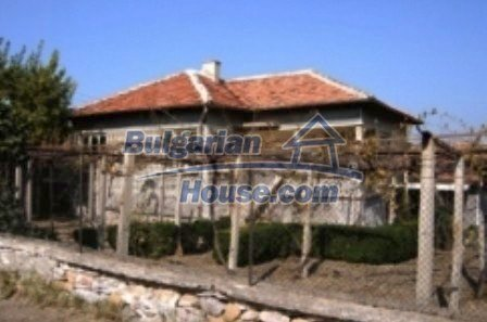 2495:1 - Buy a solid rural familiy bulgarian house near Nova Zagora