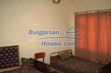 2543:1 - Rural bulgarian house in mountain village near Nova Zagora