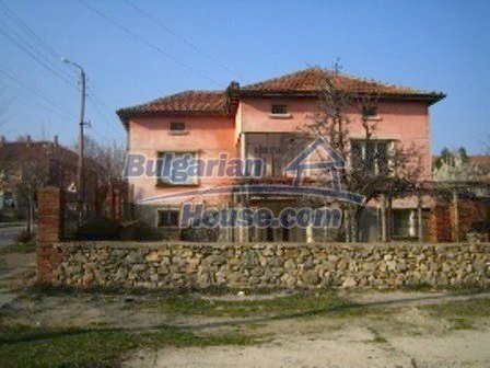 2645:1 - Single-storey plastered outside bulgarian house near Harmanli, H