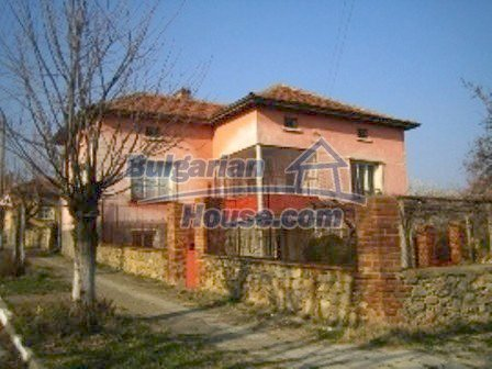 2645:2 - Single-storey plastered outside bulgarian house near Harmanli, H