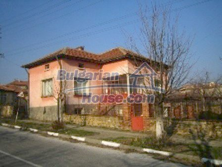 2645:3 - Single-storey plastered outside bulgarian house near Harmanli, H