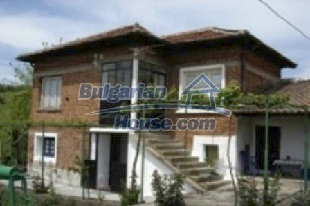 2726:1 - DISCOUNTED Rural brick bulgarian house for sale