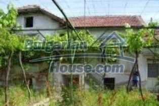 2804:1 - Bulgarian rural house near Kazanlak