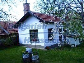 2867:2 - Traditional and modern design in a lovely one storey bulgarian h