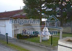 2885:9 - A  spacious three storey villa near Pleven