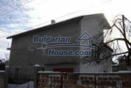 2933:1 - Two-storey bulgarian house near Kazanlak