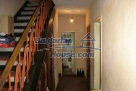 2936:4 - Brick house in Bulgaria, near Stara Zagora