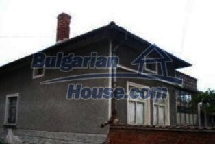 3413:2 - Plastered outside Bulgarian house in Haskovo region