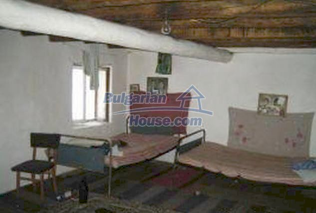 3446:5 - Invest in solid built brick bulgarian house near Haskovo