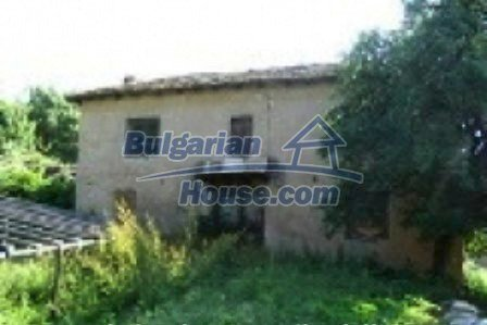 3533:1 - Estate for sale in village near bulgarian mountains