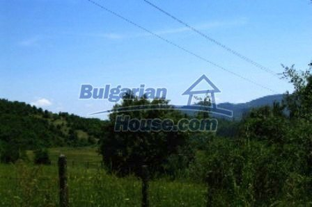 3698:5 - Rural house in bulgarian countryside