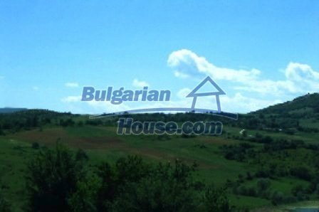 3698:9 - Rural house in bulgarian countryside