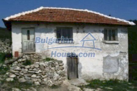 3815:1 - Two storey loveley bulgarian house build on the top of beautiful