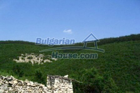 3815:3 - Two storey loveley bulgarian house build on the top of beautiful
