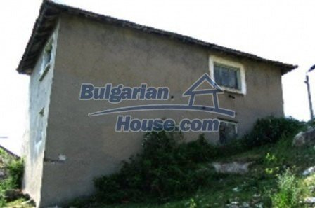 3815:5 - Two storey loveley bulgarian house build on the top of beautiful
