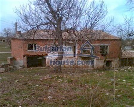 3884:1 - Solid build brick bulgarian house for sale in Dobrich region