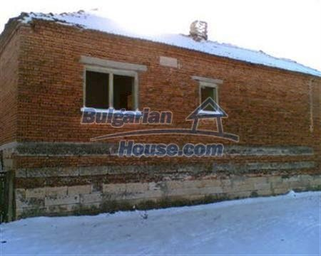 3884:4 - Solid build brick bulgarian house for sale in Dobrich region
