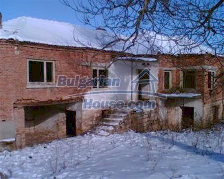 3884:6 - Solid build brick bulgarian house for sale in Dobrich region