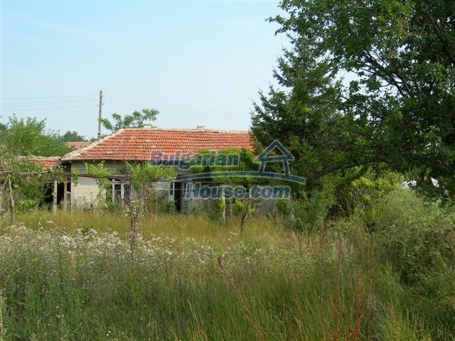 3887:2 - Old one-storey rural bulgarian house in Varna region