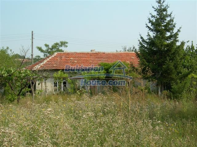 3887:3 - Old one-storey rural bulgarian house in Varna region