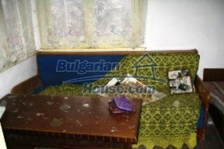4001:6 - Bulgarian property near Haskovo rural house