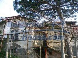 4214:2 - Bulgarian cheap house Property near Haskovo